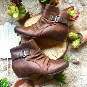 {Baretraps} Brown Buckle Strap Zip Up Flat Booties